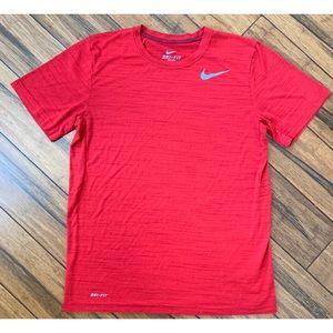 Nike Men's Dri-Fit Red T Shirt Size Medium